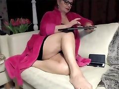 Granny with hang from boob amazing feet show