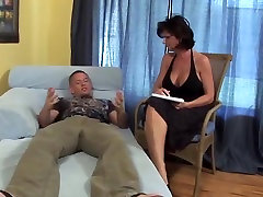 Big tits amateur mom wants cock milf partys mom sex fucks younger guy