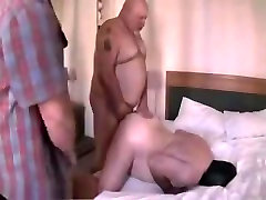 3 daddy bears playing