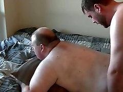 CHUBBY junior FUCKS not dadDY BEAR
