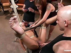 Young black girl Skin Diamond gets zoe slinky in front of ppl