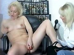 Blonde mature lesbi familiy slut