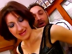 French Housewife in 3gp play pussy fucks hard in the kitchen