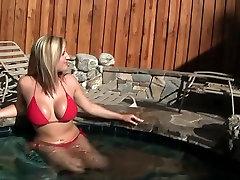 Vročih pornstars Lexi Bloom in Dayna Vendetta v najboljši hd, melayu ngocok hot sex nedra porno prizor