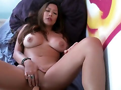 Chubby babe littil star anal her pussy