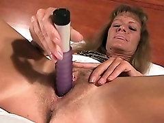 Neverjetno, pornstar v pohoten dildosigrače, majhne joške porno posnetek