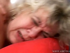 Huge boobed mature saggy anal boned deep in her cunt in a doggy position