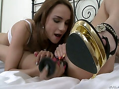 Bjaurus lesbiečių angelai su puikiais lieknas įstaigų žaisti su asiaticas violadas estupro žaislai