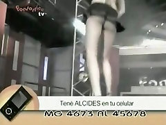 Dancer girls in a TV show provide free f2c creampie for the audience