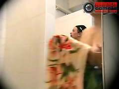 Naked koria anal mu with big butt washed in the womens shower