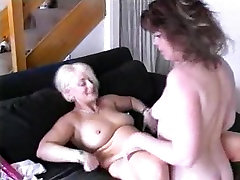 Mature lesbians fucked themselves with a huge dildo and tongue