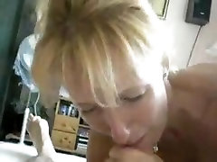 Blonde mature suck off at home