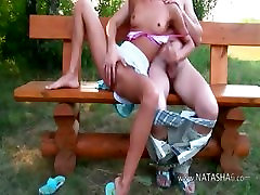 vengrų paauglių pora sušikti ant stendo
