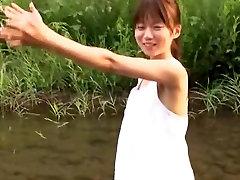 Asuka Hoshino v Celebrity Srčkan Idol