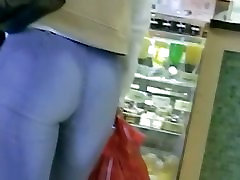 Non-nude street voyeur cute brusmalle of a terrific ass going shopping