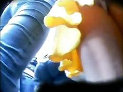 पीले रंग की शॉर्ट force sex real में सेक्सी गधा के साथ एक और अधिक कुछ में फेंक दिया