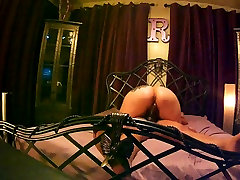 Big oily ass crackPlaytime