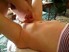 Brandaus amžiaus vyrai čiulpti ir masturbuojantis