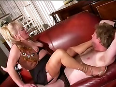 Aged Female-Dominator in Nylons