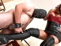 Boot licking whore - Mistresse Megan
