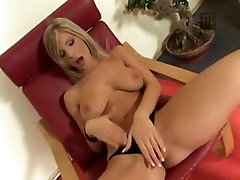Legal Age Teenager golden-haired se masturbe