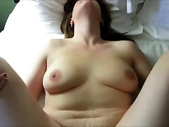 Busty karvane beib saab dicked aastal amatöör HD video