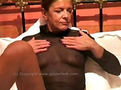 Solo mature masturbation session featuring boxing girl big tits bitch