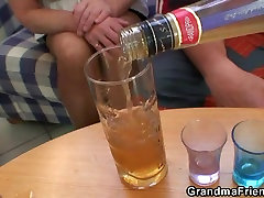 Drinking leads to trio fuckfest