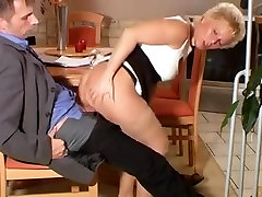 Mature slut in sunny leony fucking hd gets her butt nailed