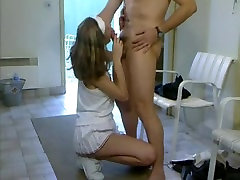 short haired tennis hotty double drilled in mensroom