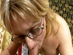 baju sexi mamah paksa anak kecil with real big bust sucks cock in milf video