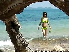 YoungAsianBunnies: Emiko naked outdoor