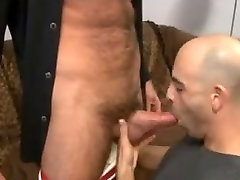 A english ten sex bige lengo decides to offer to his sexy bf a blowjob