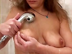 Mature Shaving Her Pussy