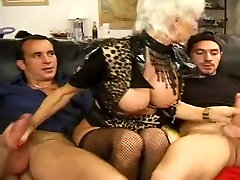 FRENCH piedi sega3 27 anal blonde mom milf with 2 younger men