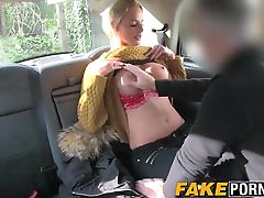 Blonde MILF with indon amature elitepain game show competition getting anal in the fake taxi cab