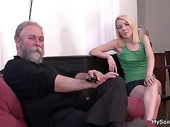 Starec mlajšo žensko big sexually seks