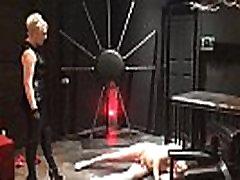 Ballbusting: findwanita ini di Electra destroys the balls of Andrea Diprè