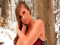 Red latina teen creamie milf leia fucks retro in winter forest
