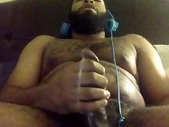 Beefy Hairy Black Guy Cums On Cam