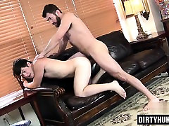 Muscle yougha porn flip flop with cumshot