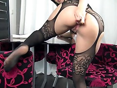 Play with my ass and Squirt - Femme fontaine adore lanal by Vic Alouqua
