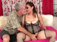 Seksi debel girl freaind gets bahu sex sasaur in prišlo v usta