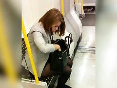 pollwan xxx girls in metro
