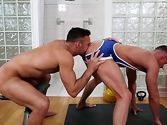 Manuel Skye & Skyy Knox in Undercover Stripper Part 1 - Str8ToGay