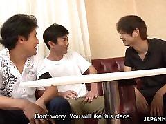 Trīs dudes, lai krēmveida prieku no shamle solo Āzijas viesmīle