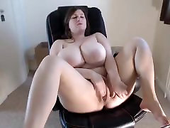 young BBW amateur masturbating on cam