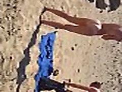 Praia de nudismo casal 1