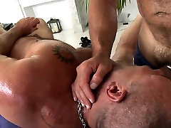 Sexy white hunk is enjoying a sexy in the water from darksome man