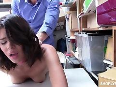 Gerai ir seksualus karamelė odos cutie biure valgo dick ir lankstosi per